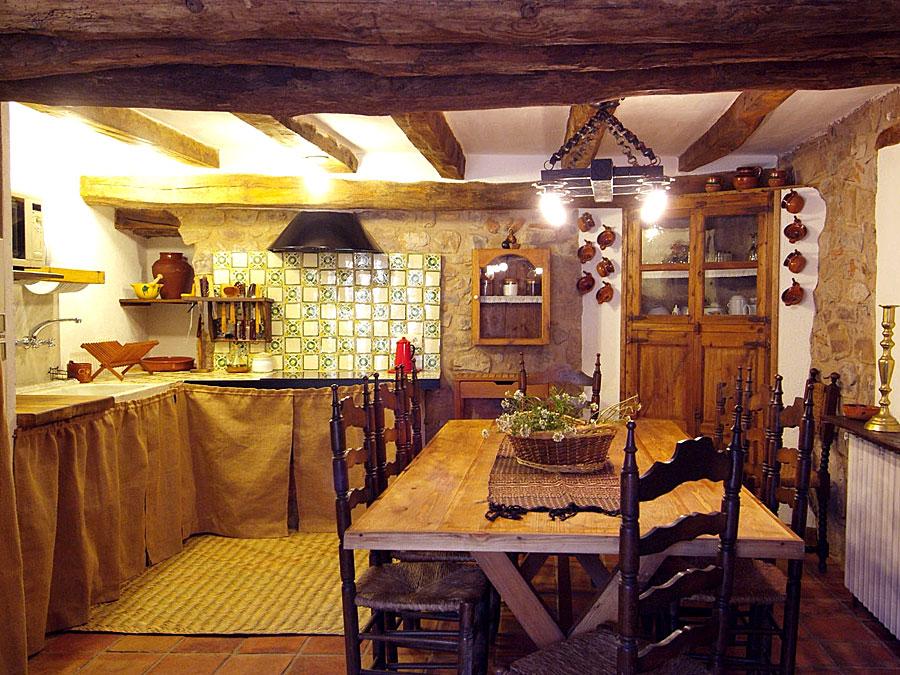 Cuina Menjador La Llar Casa Rural Familiar Moianès 2