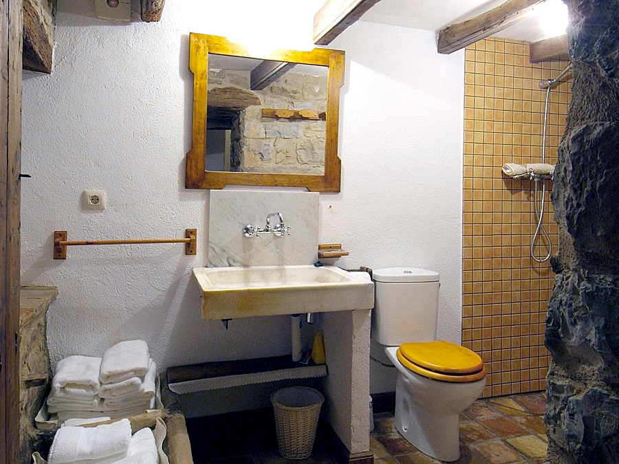 Bany La Llar Casa Rural Familiar Moianès 7